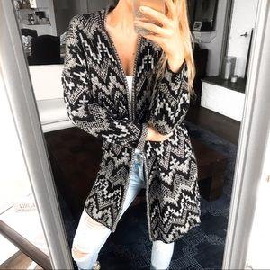 🆕 LUCKY BRAND BLACK WHITE WEAVE CARDIGAN SWEATER!